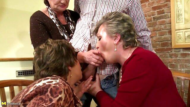 Procace video nonne troie bellezza sedette con una figa sul viso di lei