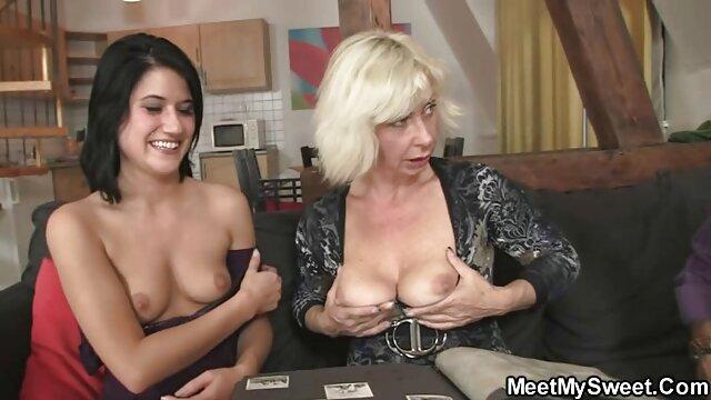 Bella ragazza con un vibratore di spessore porno film anziani