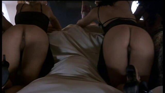 Un giovane pulcino scopata lei micio video porno mature vecchie con un vibratore